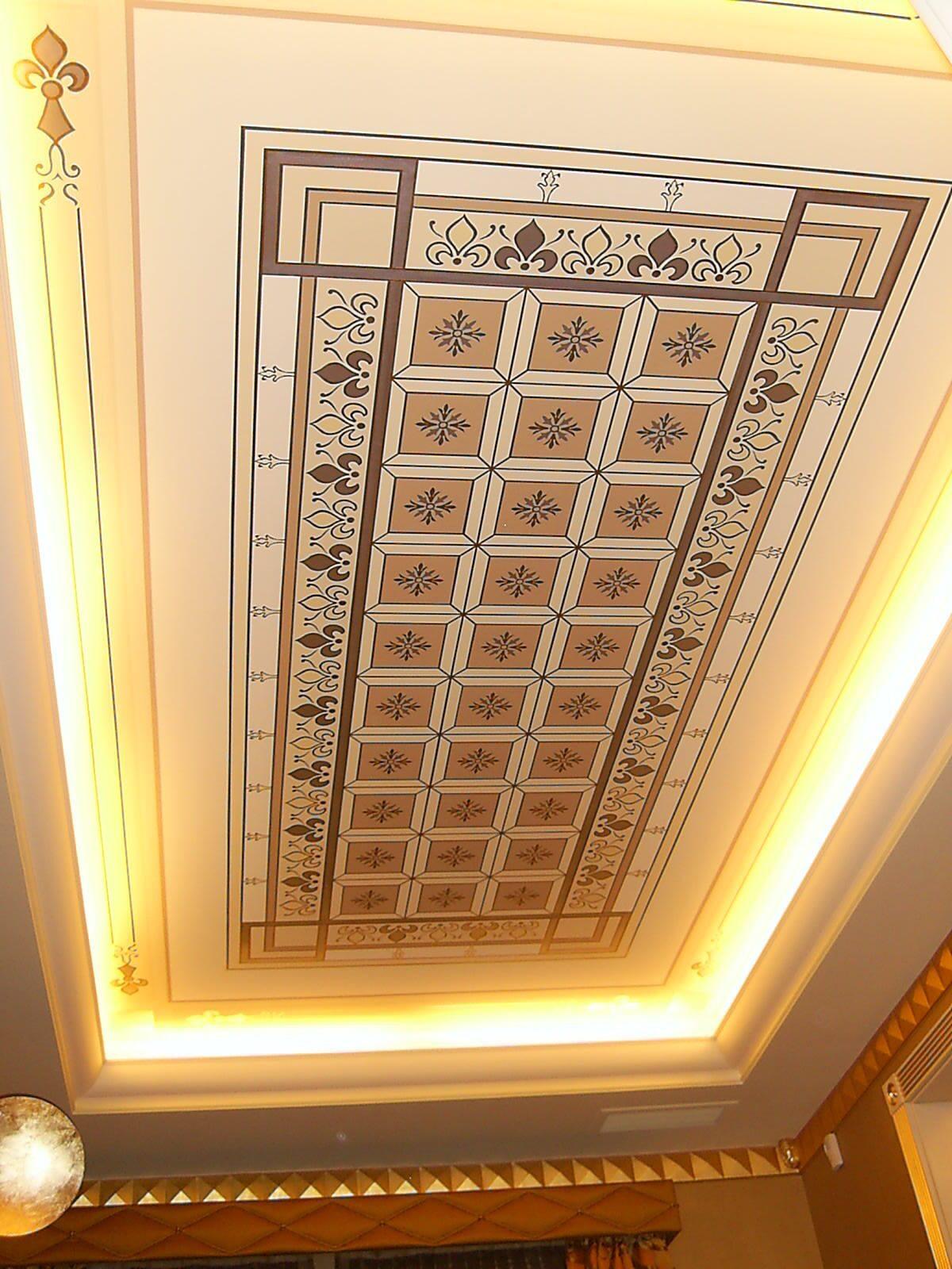 Декор потолка своими руками (38 фото обоями, тканью, и другие) 6